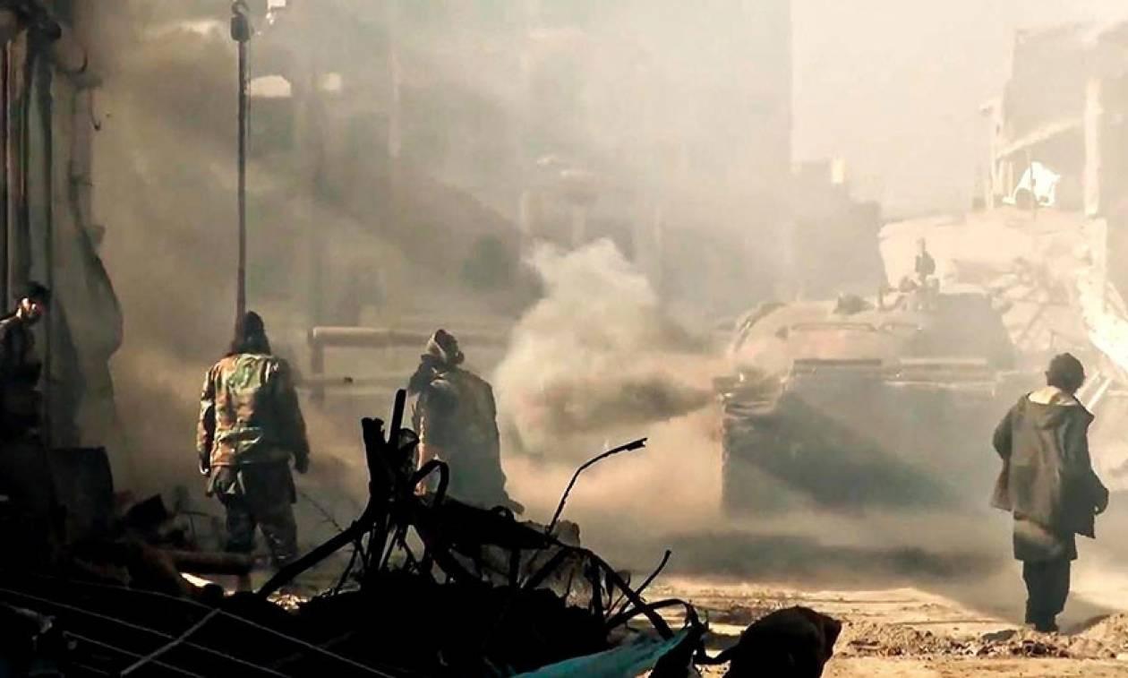 Συρία: «Με την πλάτη στον τοίχο» ο ISIS στη Ντέιρ Εζόρ – Αναμένεται μακελειό