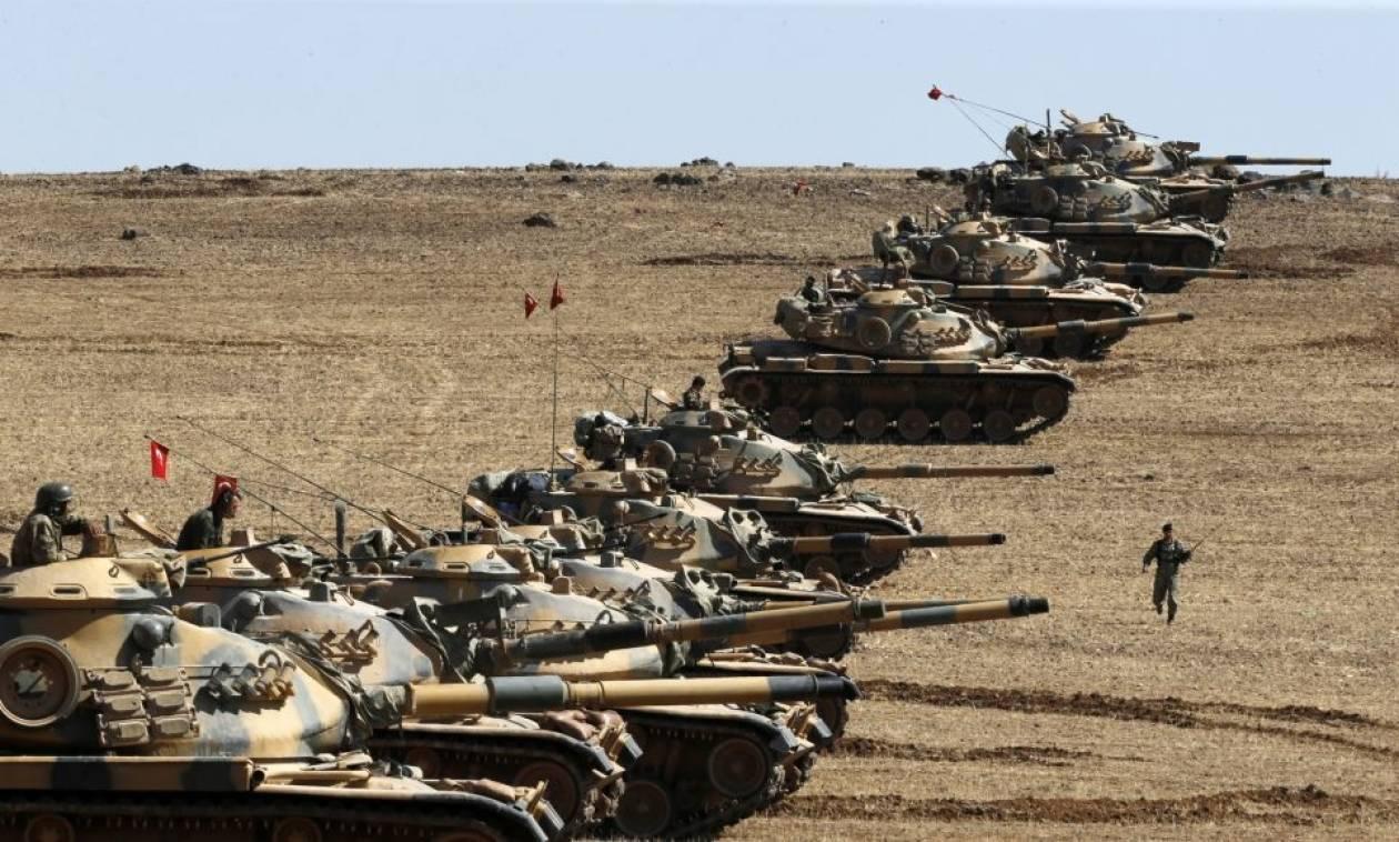 Ραγδαίες εξελίξεις: Η Τουρκία στέλνει στρατό στα σύνορα με τη Συρία