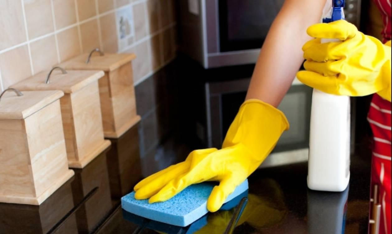 Τρία εύκολα κόλπα για να μην ξαναδείς κατσαρίδα στο σπίτι σου