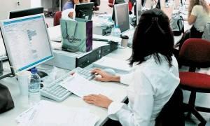 Πώς θα γίνει η αξιολόγηση των δημοσίων υπαλλήλων - «Έρχεται» η τροπολογία