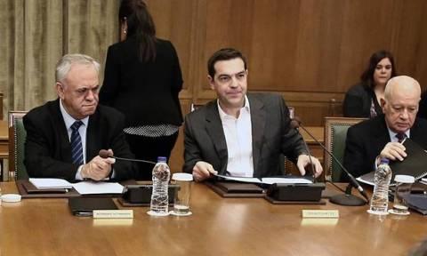 Τσίπρας στο υπουργικό: Χρειάζεται εγρήγορση και στοχοπροσήλωση