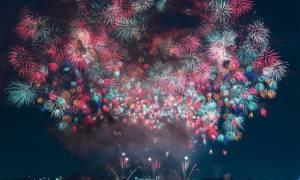 Viral: Τα πιο εντυπωσιακά πυροτεχνήματα του 2017 έκαναν τη νύχτα μέρα στην Ιαπωνία (Pics)