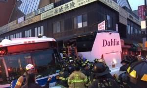 Σύγκρουση λεωφορείων στη Νέα Υόρκη: Τρεις νεκροί και 17 τραυματίες (pics+vid)