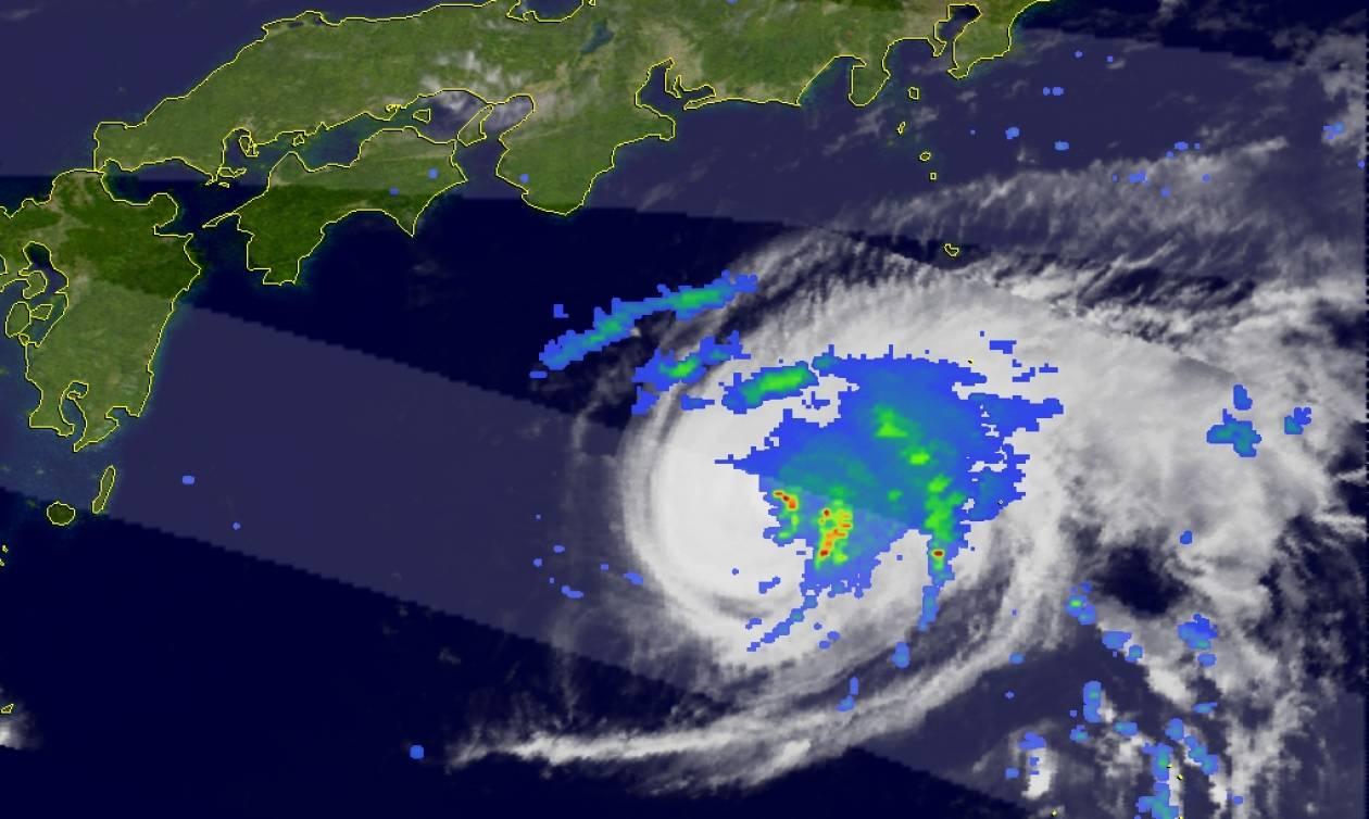 Τρόμος στην Καραϊβική: Ο κυκλώνας «Μαρία» σαρώνει τα πάντα στο πέρασμά του