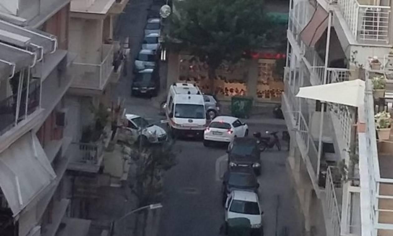 Θεσσαλονίκη: Οι φωτογραφίες που αποτύπωσαν την... «οδύσσεια» ενός ασθενοφόρου