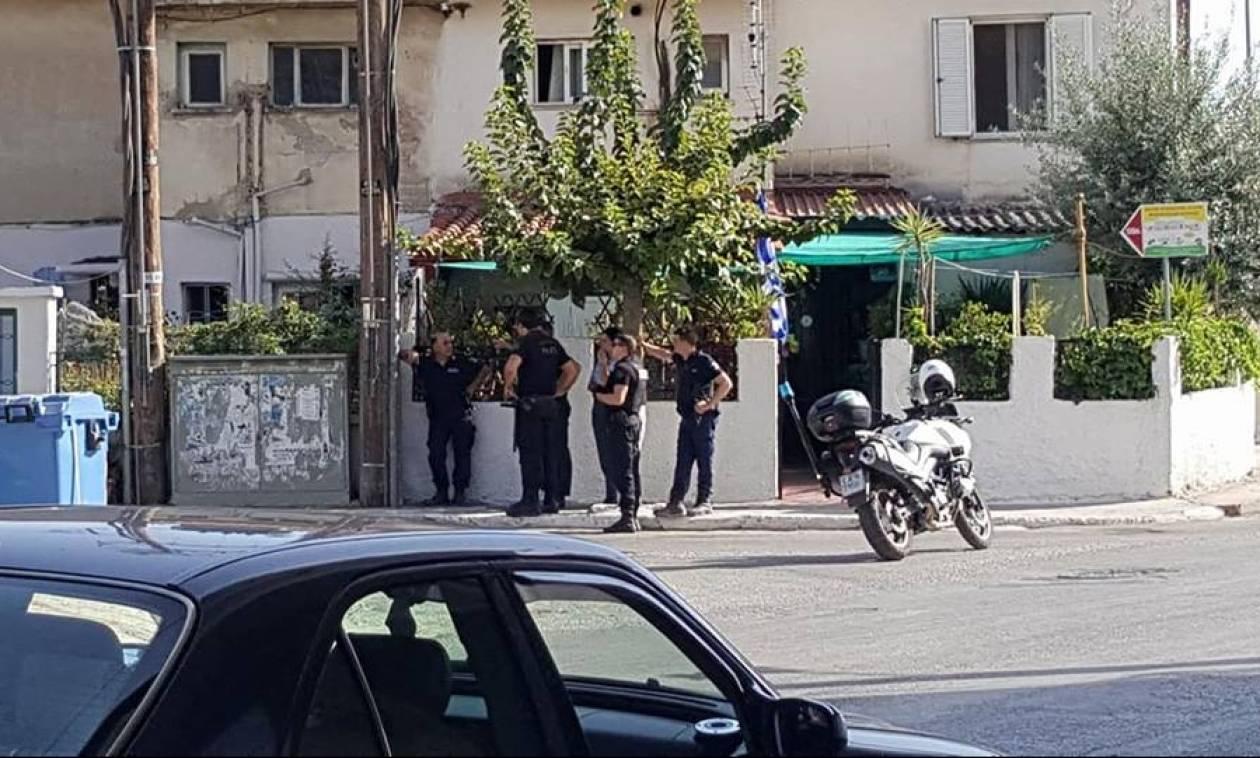 Θρίλερ στην Πάτρα: Άνδρας ταμπουρώθηκε στο σπίτι του με καραμπίνα - Απειλούσε να αυτοκτονήσει (vid)