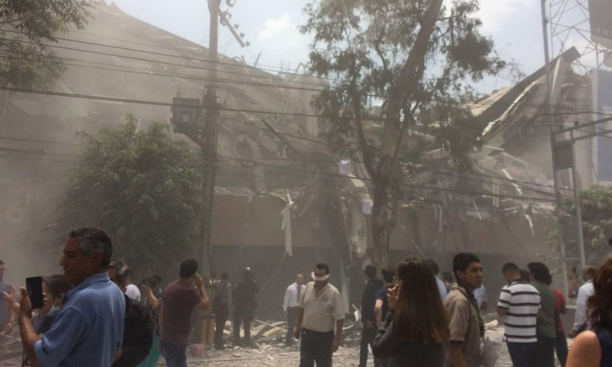 Σεισμός Μεξικό: Τους 60 έφτασαν οι νεκροί από τα 7,1 Ρίχτερ - Τεράστιες καταστροφές (pics+vids)