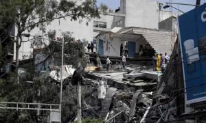 Σεισμός Μεξικό: Βίντεο - ΣΟΚ! Είδαν το κτίριο να καταρρέει μπροστά στα μάτια τους (vids)