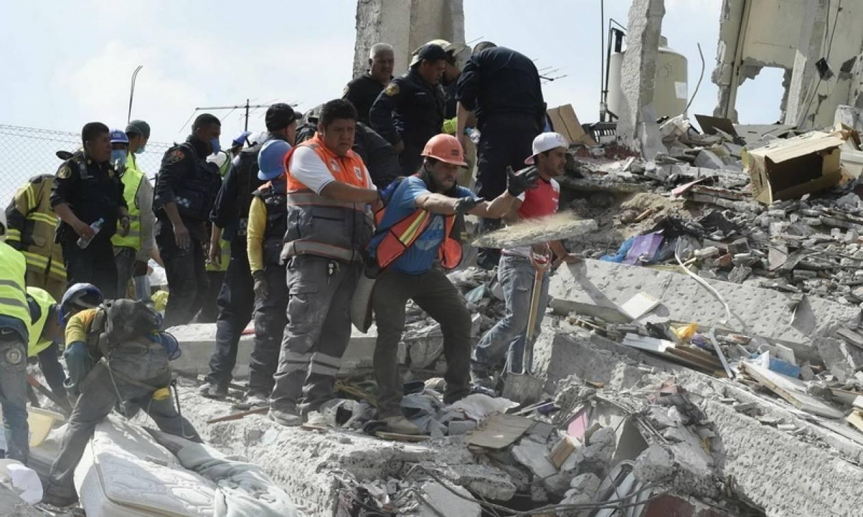 Σεισμός Μεξικό: Τραγωδία με 21 παιδιά σε κατάρρευση σχολείου