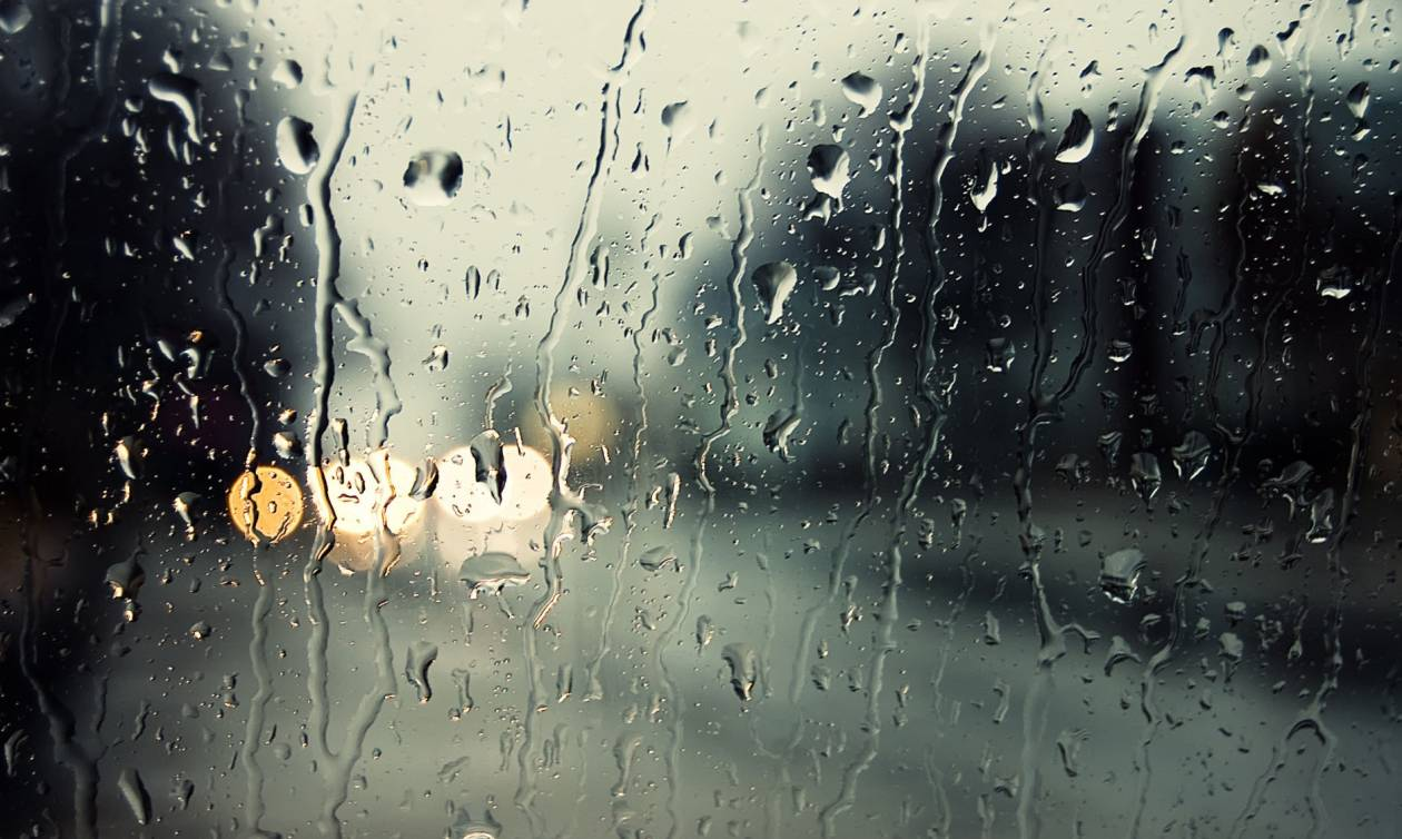 Καιρός: Τέλος το καλοκαίρι – Η ΕΜΥ προειδοποιεί για πτώση της θερμοκρασίας και καταιγίδες