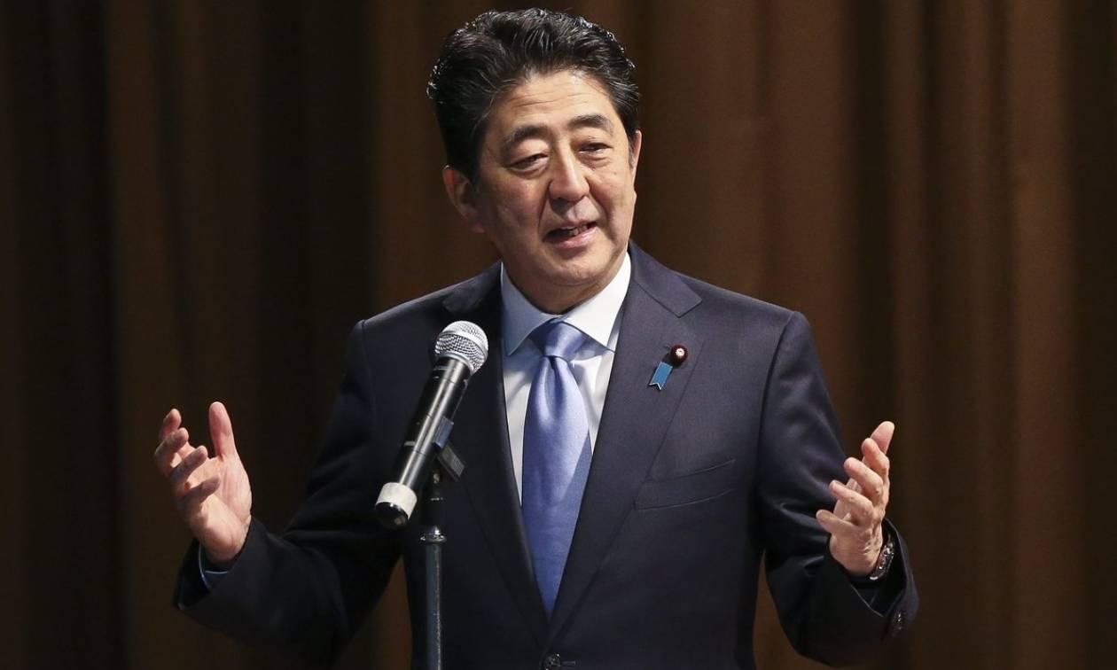 Ιάπωνας πρωθυπουργός για Βόρεια Κορέα: Όλες οι επιλογές βρίσκονται στο τραπέζι