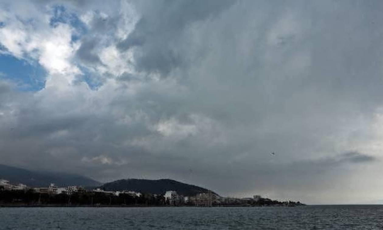 Καιρός τώρα: Με μποφόρ, βροχές και ραγδαία πτώση της θερμοκρασίας η Πέμπτη (pics)