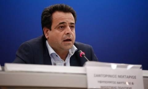 Απίστευτες δικαιολογίες κυβέρνησης - Σαντορινιός: Το πλοίο του EMSA ήταν... μεγάλο για τη Σαλαμίνα