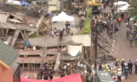 Μεξικό: Μάχη για να σώσουν 12χρονη κάτω από τα ερείπια - Δείτε live εικόνα