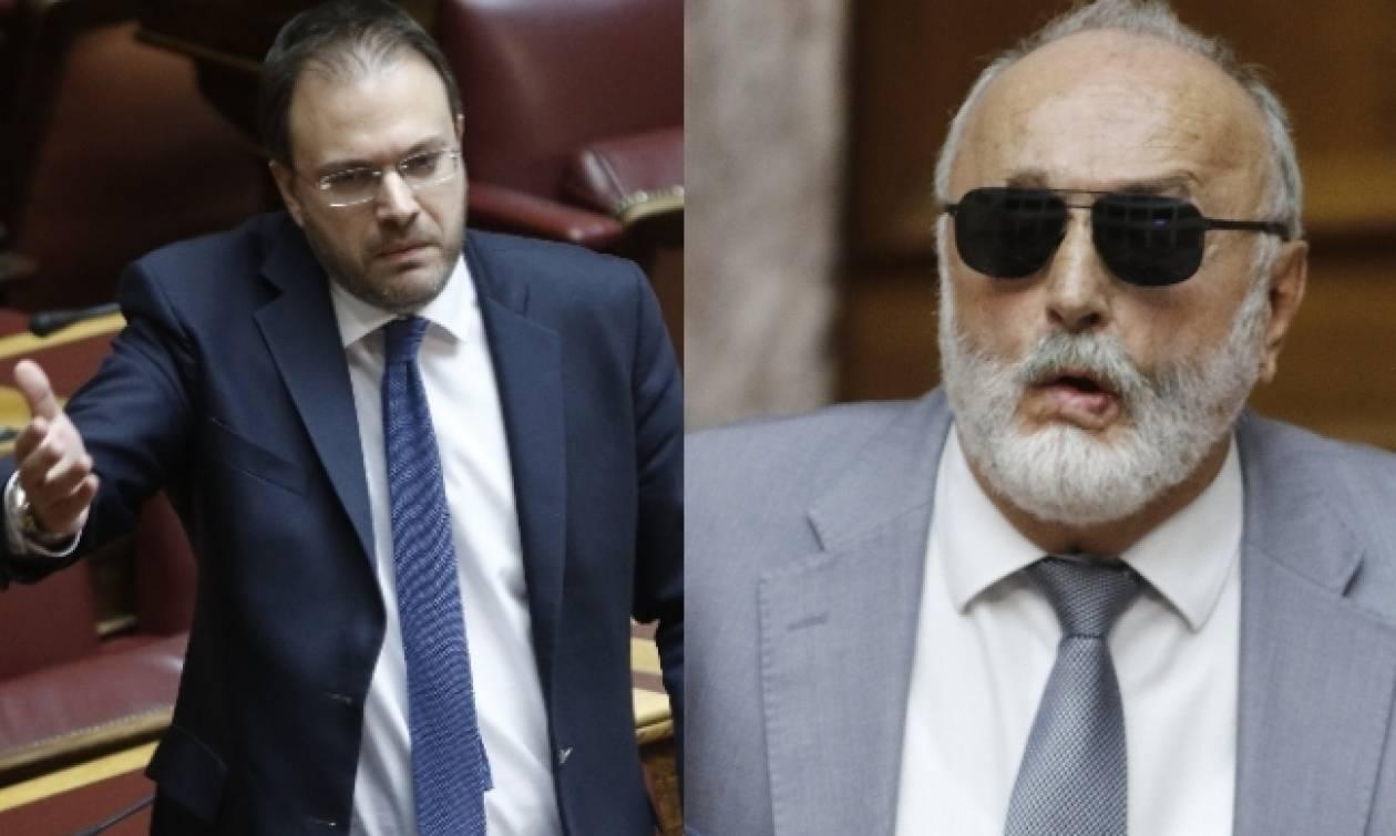 Χαμός στη Βουλή: Θεοχαρόπουλος: Παραιτηθείτε! - Κουρουμπλής: Θα κρίνουν άλλοι αν πρέπει να παραιτηθώ