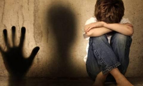 Είδηση - σοκ: 35χρονη αποπλάνησε και κακοποίησε σεξουαλικά 12χρονο