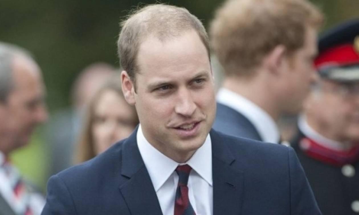 Ο πρίγκιπας Ουίλιαμ αυτοσαρκάζεται για την... αραιή του κόμη!