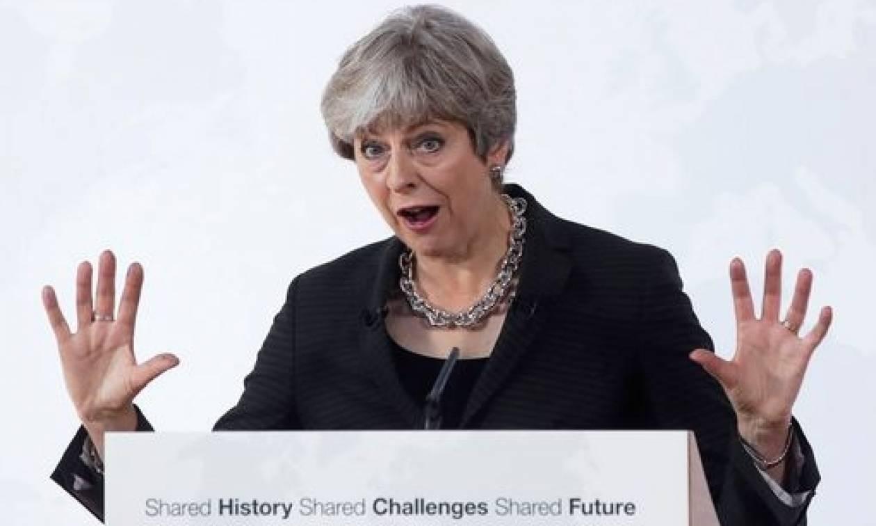 Βρετανία: Μεταβατική περίοδο δύο ετών μετά το Brexit ζητά η Μέι