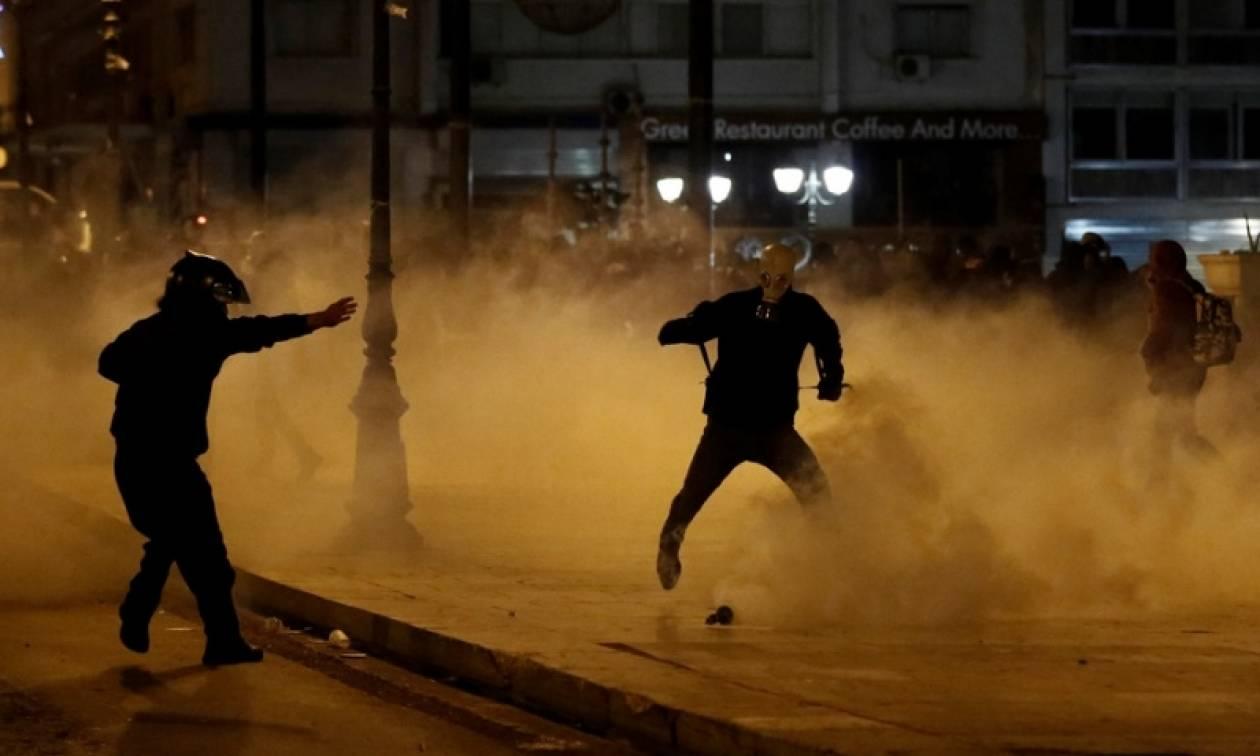 Επεισόδια στη Θεσσαλονίκη: «Βροχή» από μολότοφ τα ξημερώματα (pics&vid)