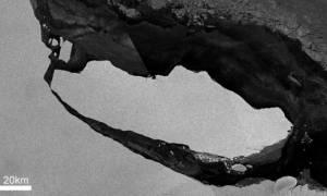 Τρόμος από το παγόβουνο που αποκολλήθηκε στην Ανταρκτική – Ζυγίζει ένα τρισ. τόνους (pic)