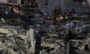 Ο Εγκέλαδος χτυπησε ξανά: Ισχυρός σεισμός στο Μεξικό (Pics+Vids)