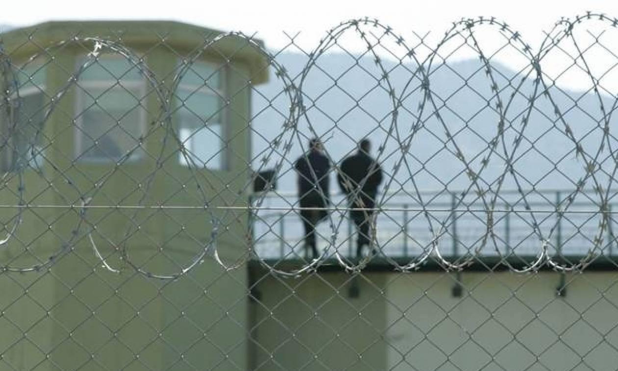 Άγριο ξύλο στις φυλακές Αλικαρνασσού με έναν τραυματία