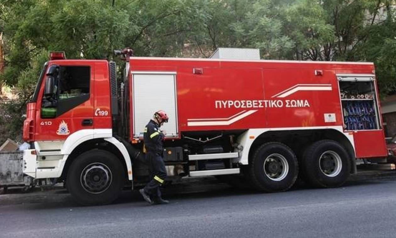 Ηράκλειο: Αυτοκίνητο τυλίχτηκε στις φλόγες εν κινήσει!