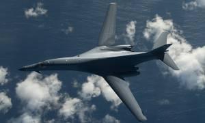 Επικίνδυνες εξελίξεις: Αμερικανικά βομβαρδιστικά πάνω από τις ακτές της Βόρειας Κορέας (Pics+Vids)