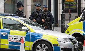 Πανικός στο Λονδίνο: Άγνωστοι πέταξαν τοξική ουσία σε εμπορικό κέντρο - Έξι τραυματίες