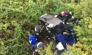 Ξέφρενη πορεία αυτοκινήτου στην Εύβοια – Άντρας έπεσε στο γκρεμό και σκοτώθηκε