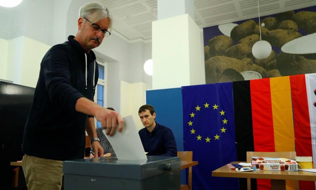 Οι γερμανικές εκλογές μέσα από τα μάτια των ανταποκριτών (Vids)