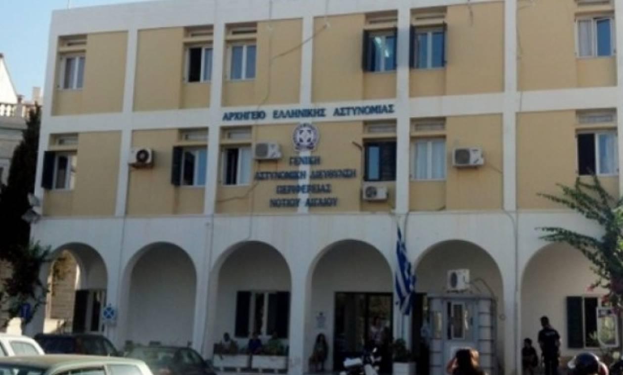 Επίθεση με σφυρί στο αστυνομικό τμήμα Σύρου