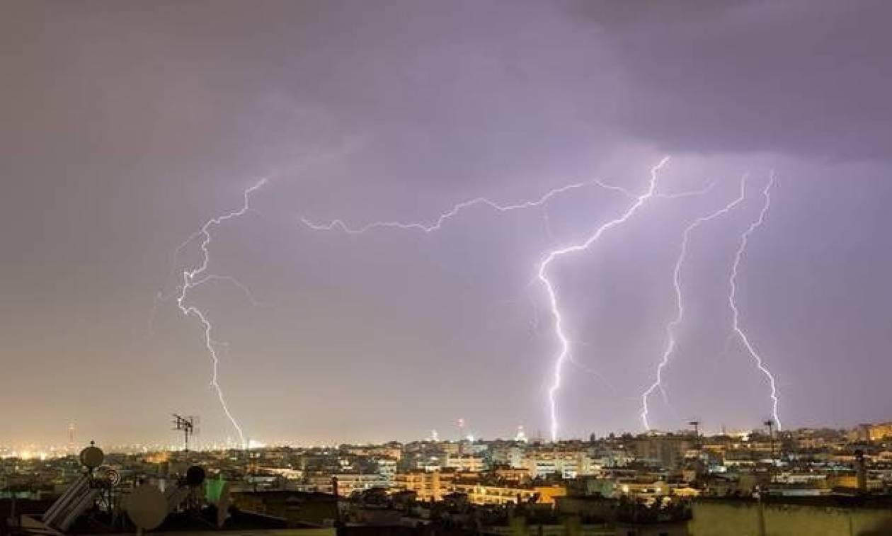 Καιρός - Έκτακτο δελτίο: Με ισχυρές βροχές και καταιγίδες η Δευτέρα (pics)