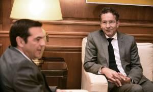 Τσίπρας: «Να συζητήσουμε την επόμενη μέρα» - Ντάισελμπλουμ: «Η εμπιστοσύνη έχει επιστρέψει»
