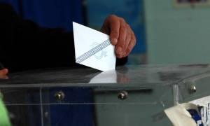 Δημοσκόπηση: Διψήφια διαφορά υπέρ της ΝΔ – Ποιοι μένουν εκτός Βουλής