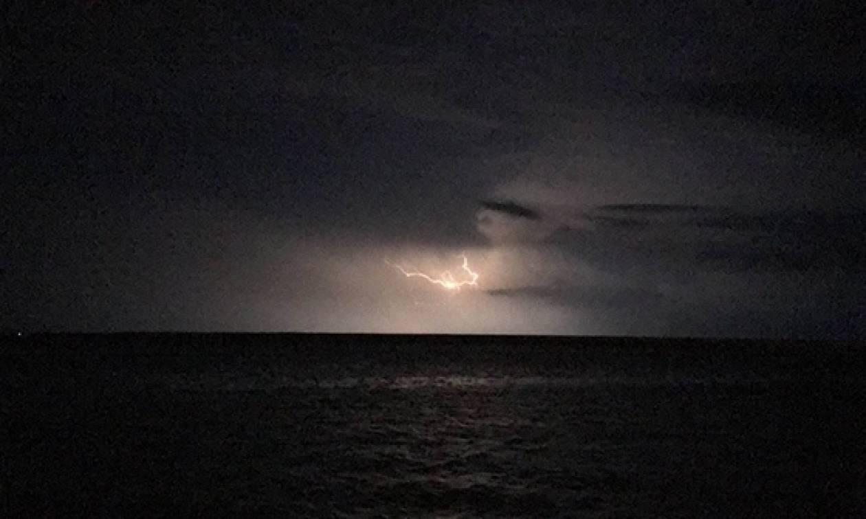 Κακοκαιρία: «Πνίγηκε» η Σαμοθράκη από τη σφοδρή βροχόπτωση (vids)