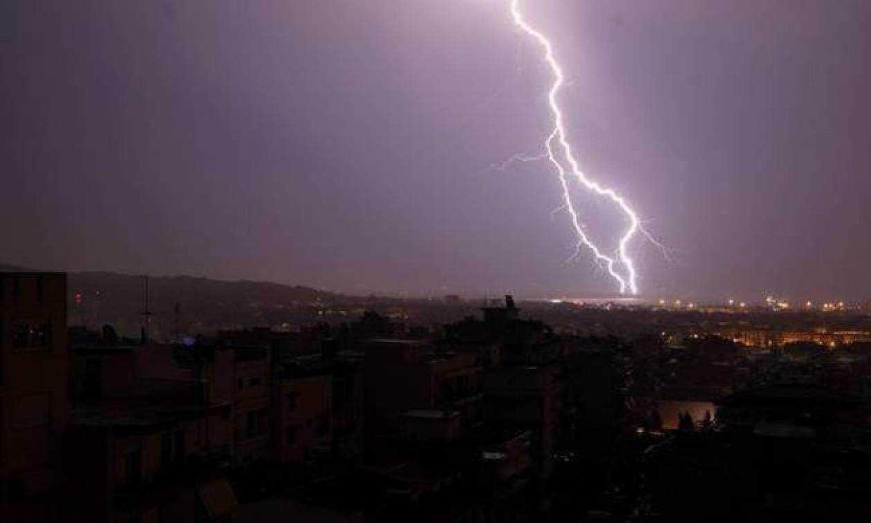 Καιρός Τώρα: Πρώτη φθινοπωρινή κακοκαιρία με προβλήματα - Δείτε πού θα σημειωθούν καταιγίδες (pics)