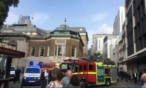 Συναγερμός στο Λονδίνο: Πανικός στο μετρό μετά από έκρηξη σε τσάντα (pics-vid)