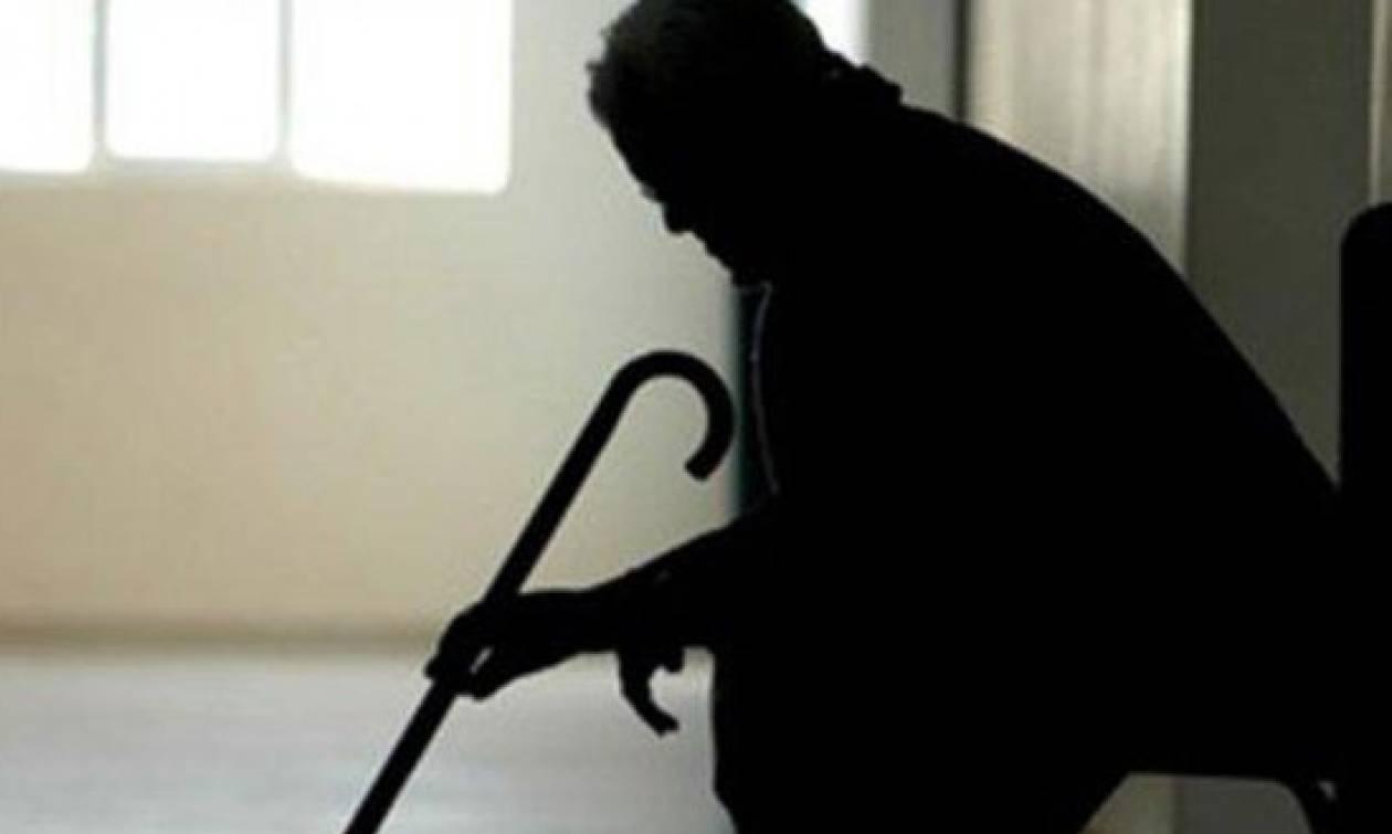 Λαμία: «Μαϊμού – ΔΕΗτζής» απέσπασε από ηλικιωμένη 6.500 ευρώ!