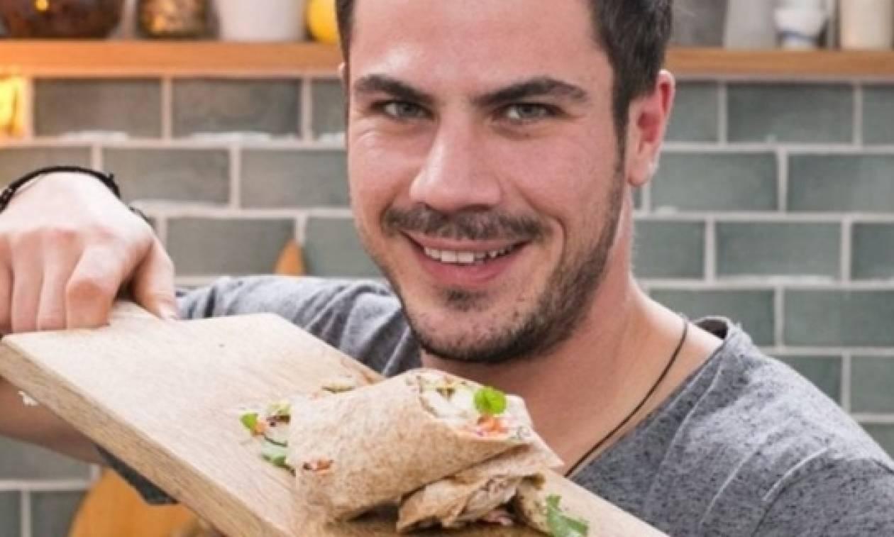 Σε αμερικανική εκπομπή μαγειρικής ο Άκης Πετρετζίκης! (pic)