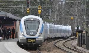 Συναγερμός! Τρένο συγκρούστηκε με τεθωρακισμένο – Τέσσερις τραυματίες