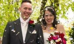 Σοκ: Ανέβασε στο Facebook φωτογραφία από το γάμο τους, τη σκότωσε και αυτοκτόνησε