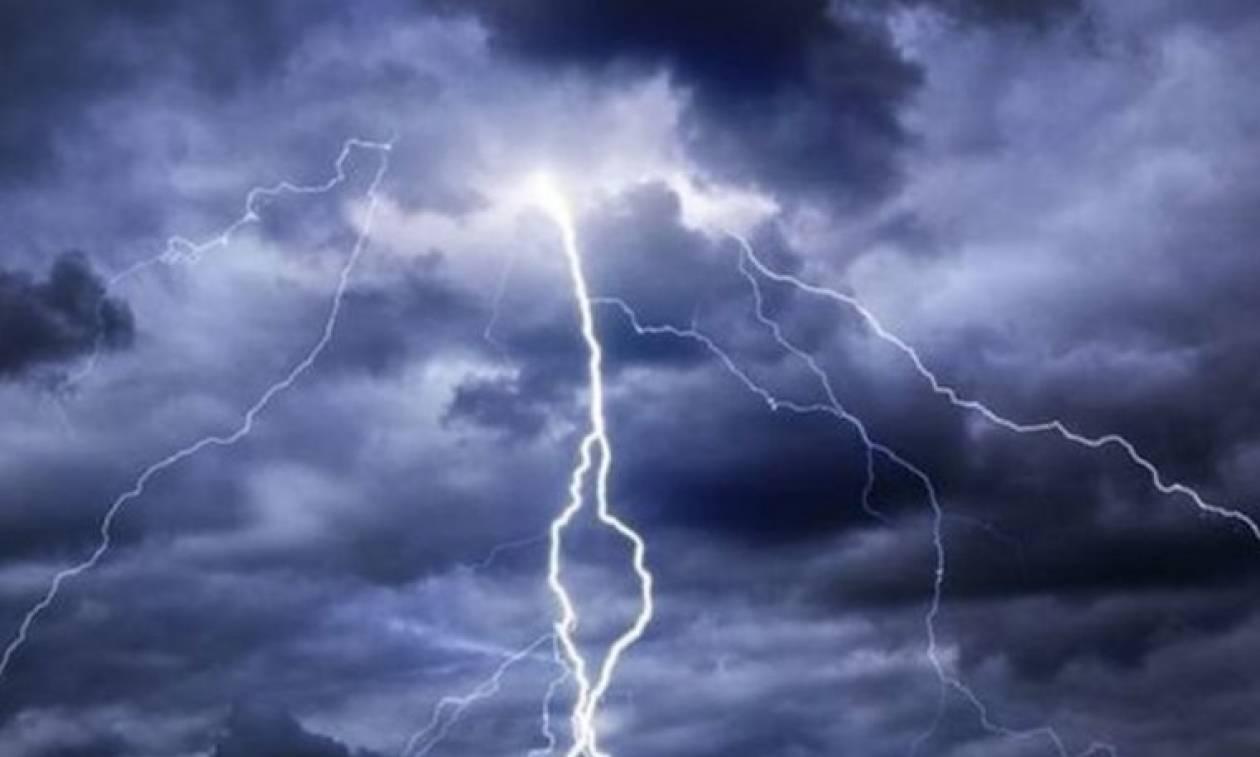 Κακοκαιρία - Λάρισα: Προβλήματα στην ηλεκτροδότηση λόγω κεραυνών