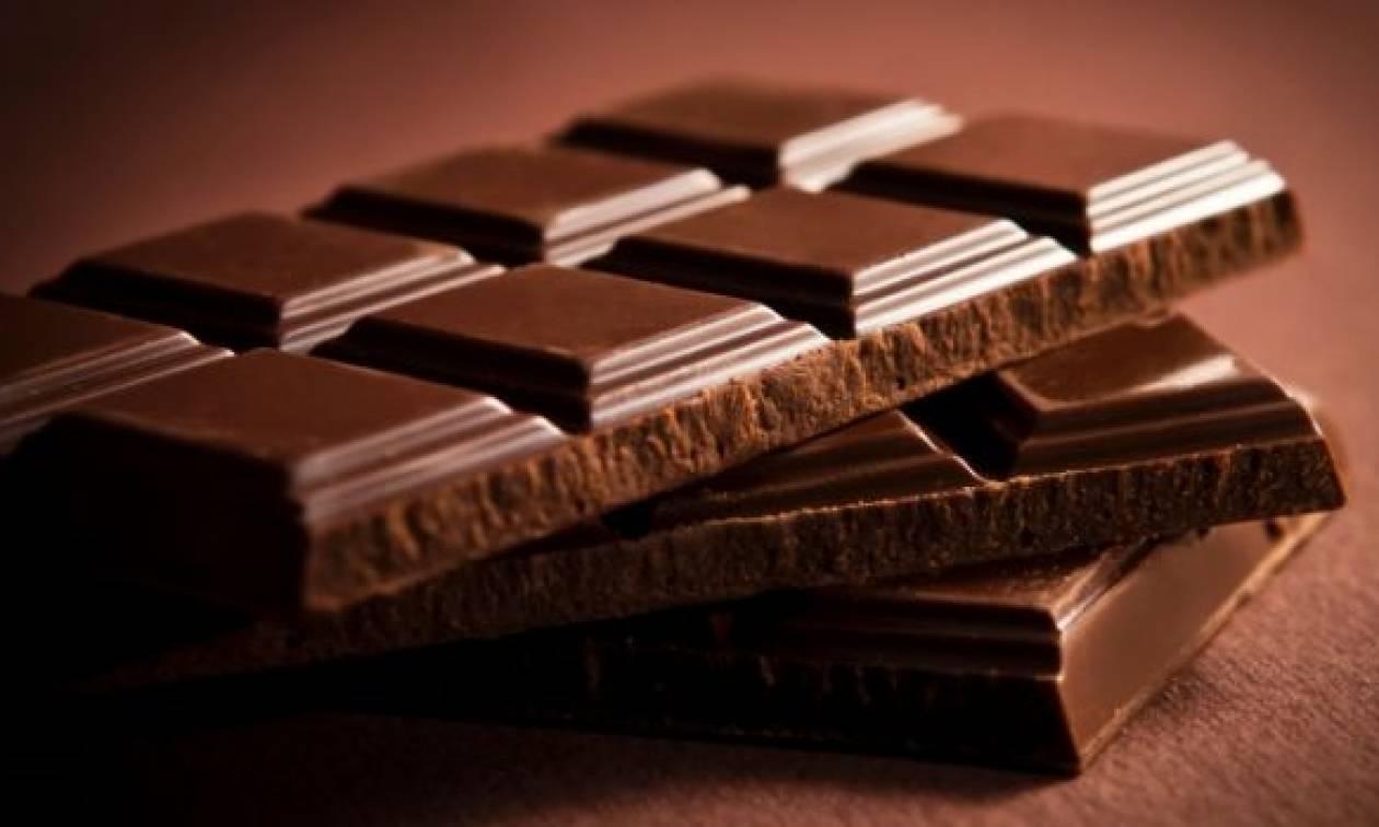 kelebihan makan coklat