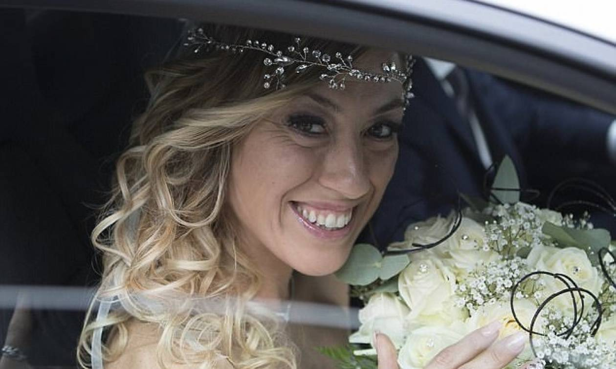 Αυτή είναι η 40χρονη που ξόδεψε 10.000 ευρώ για να παντρευτεί τον... εαυτό της