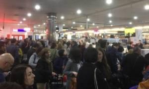Χάος στα αεροδρόμια όλου του πλανήτη - Κατέρρευσαν τα συστήματα check-in