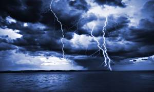 Καιρός Live: Καταιγίδες και ισχυροί άνεμοι σε όλη τη χώρα – Δείτε πού βρέχει ΤΩΡΑ