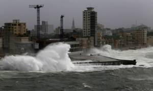 Τροπικός κυκλώνας απειλεί την Κούβα