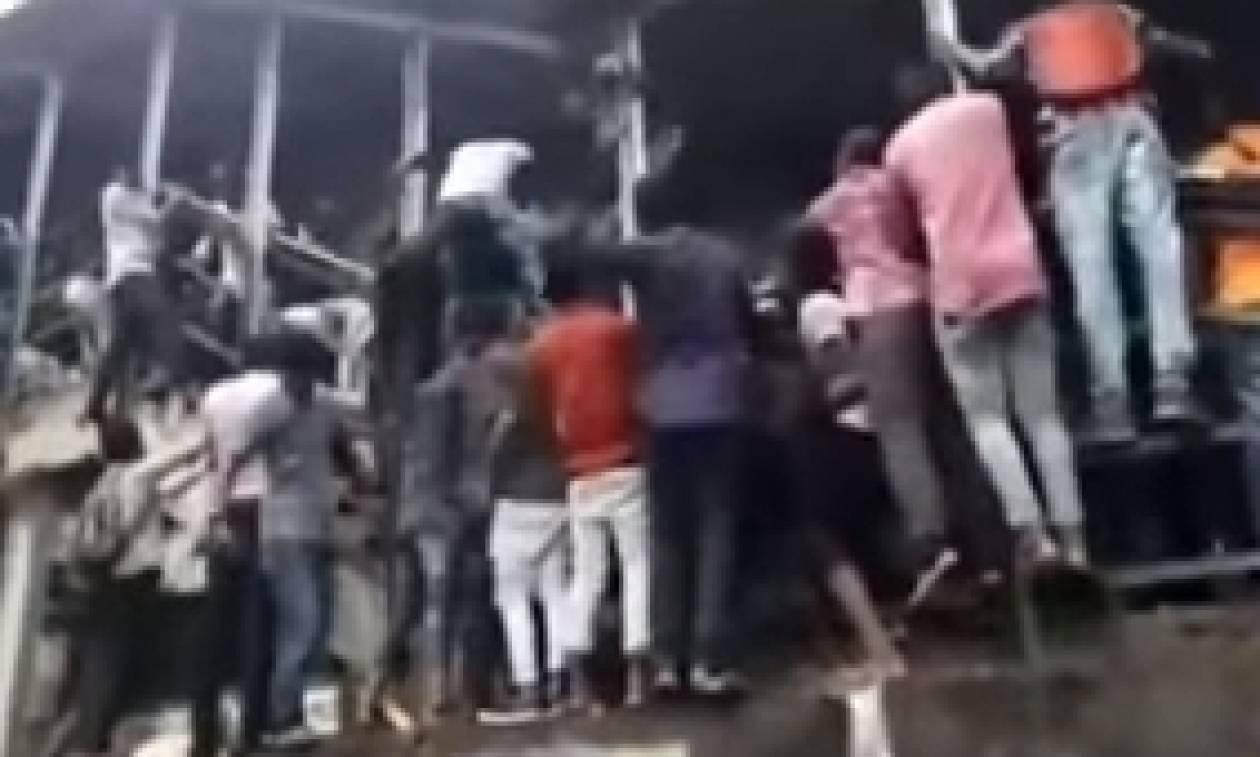 Τραγωδία με 21 νεκρούς και δεκάδες τραυματίες - Ποδοπατήθηκαν σε σταθμό τρένου
