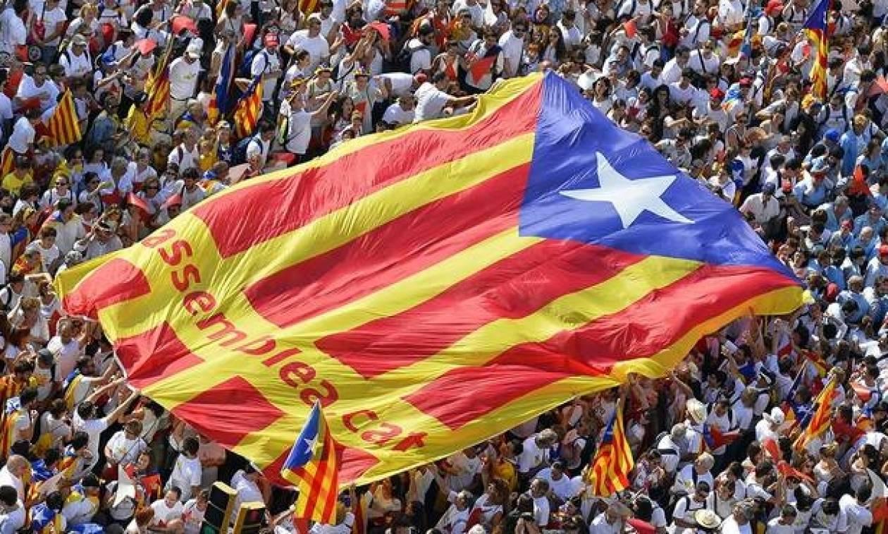 «Καζάνι που βράζει» η Ισπανία τρεις ημέρες πριν το δημοψήφισμα – Φοβούνται επεισόδια